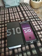 Смартфон Samsung Galaxy S10 8/128GB